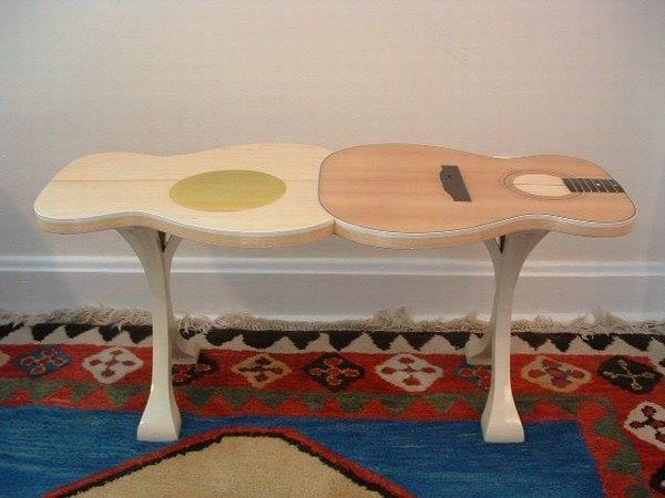 52_Guitar Table