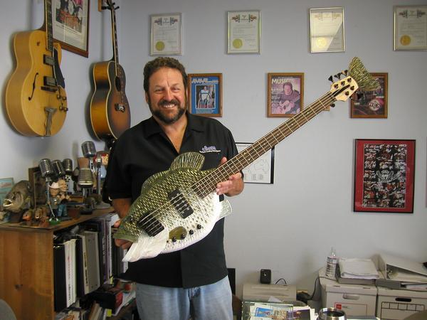 75_Custom Guitars