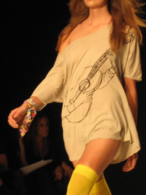 84_the guitar fashion