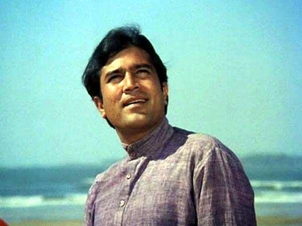 kapil-guitarist-tribute-to-rajesh-khanna-on-guitar